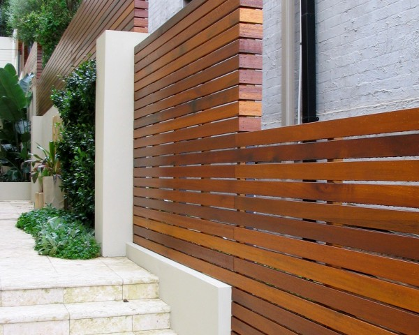Slat Fencing – Adding Style at Low Price